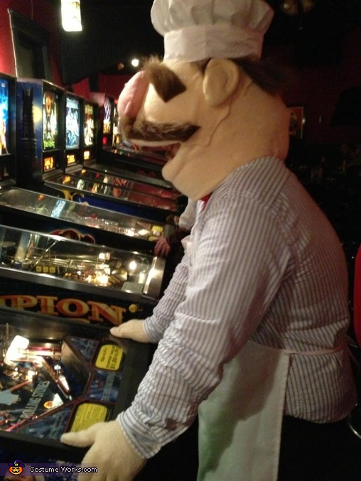 The Swedish Chef loves pinball, Swedish Chef Costume