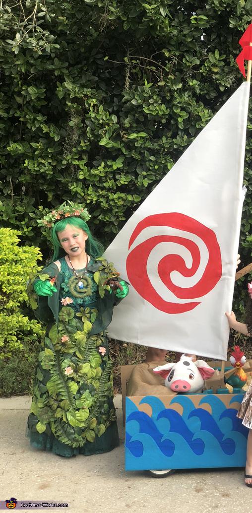 Te Fiti with Moana's boat, Te Fiti from Moana Costume