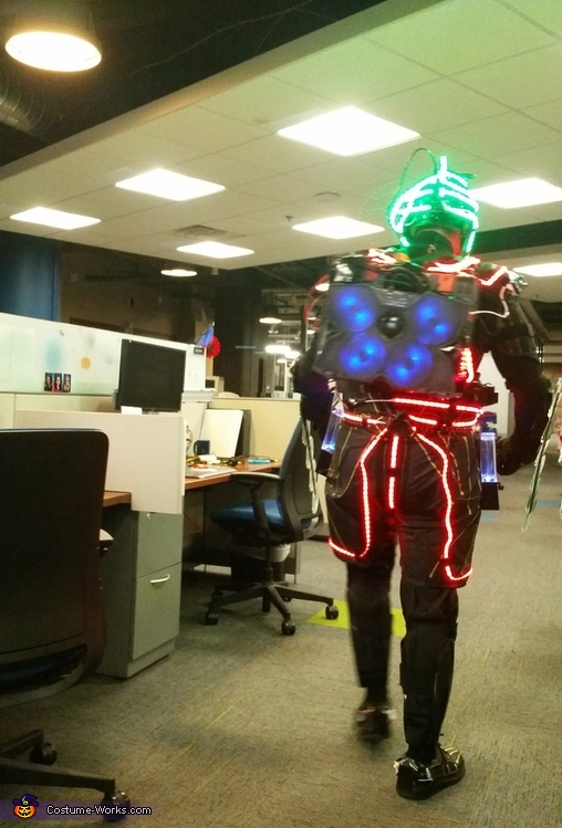The Back, Technology Man Costume