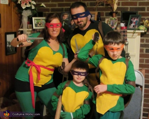 Teenage mutant ninja turtles family costume idea teenage mutant ninja turtles costume solutioingenieria Image collections
