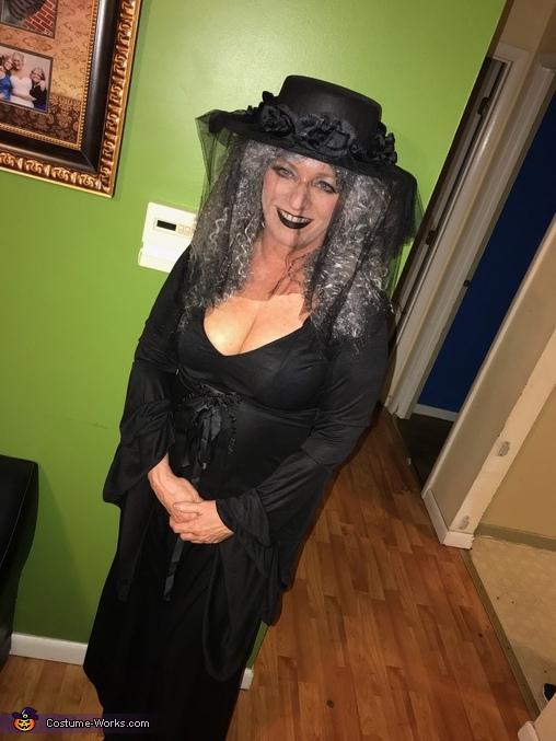 Grandma, The Addams Family Costume