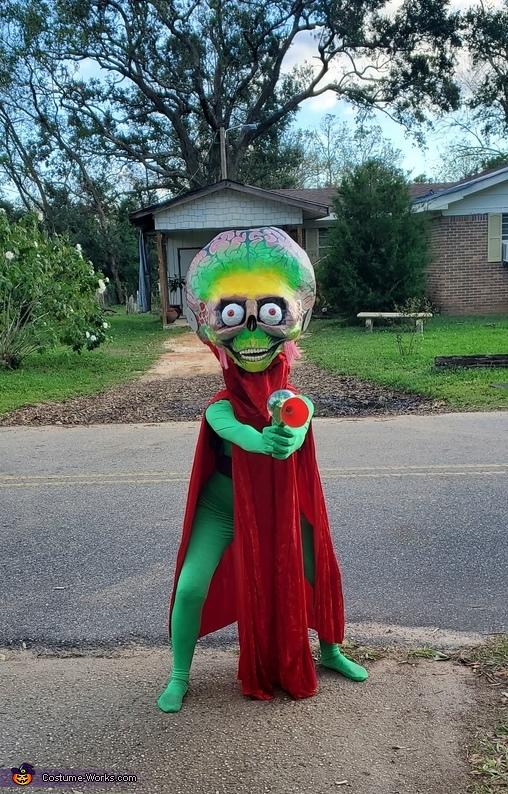 The Alien Ambassador from Mars Attacks! Costume