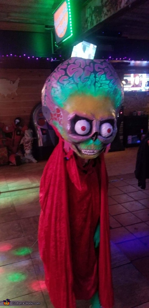 I added a glow paint to the brain which created an illuminated brain in the right lighting., The Alien Ambassador from Mars Attacks! Costume