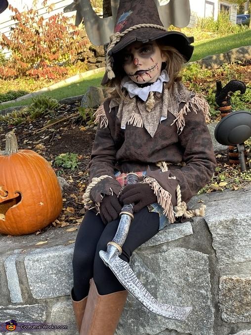 Creepy scarecrow, The Bone Girl and Creepy Scarecrow Costume