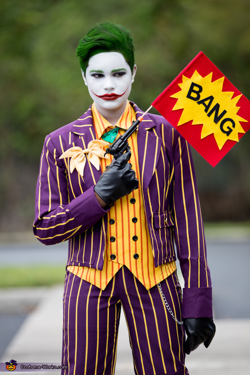 Close up, The Classic Joker Costume