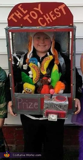 A prize every time, The Claw Costume