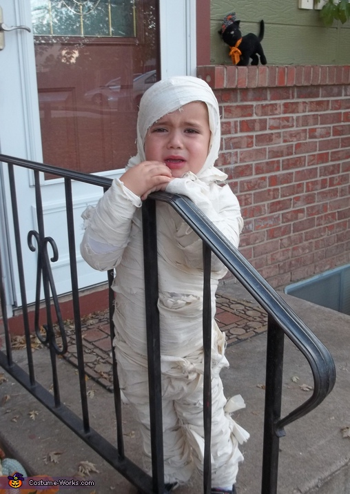 Do We Have to Trick or Treat?, The Crying Mummy Costume