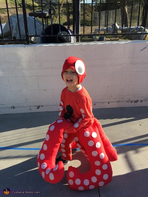 Octopus in the Halloween parade!, The Cutest Octopus Costume