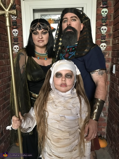 Scary Egyptian Family, The Egyptian Crew Costume
