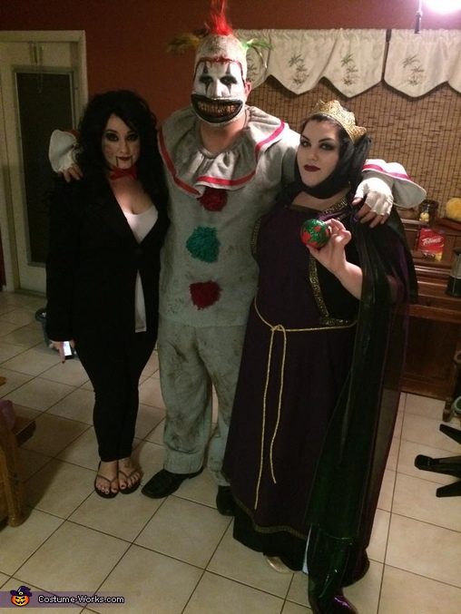 The Evil Queen (right) and Twisty the Clown (centered), The Evil Queen and Twisty the Clown Costume
