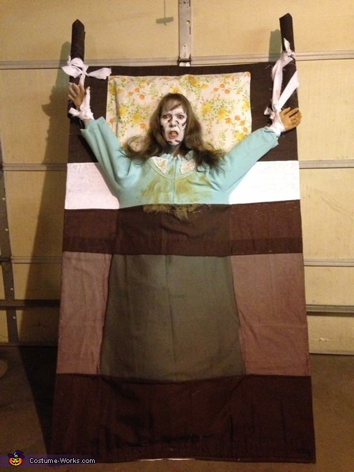 The Exorcist Reagan Costume