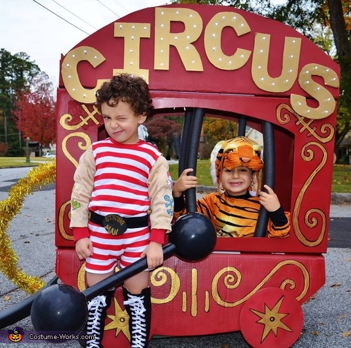 The circus car, The Family Circus Costume