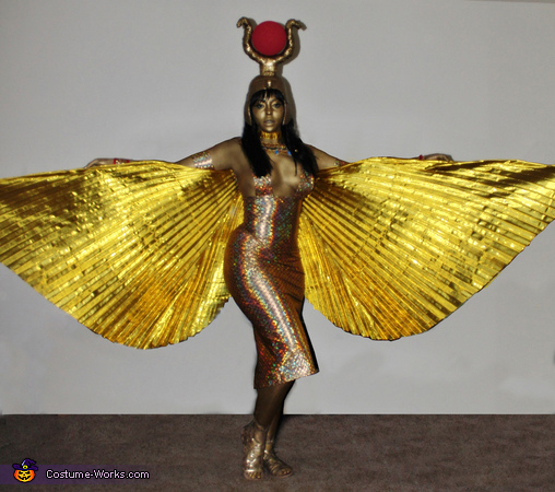 50 creative diy halloween costume ideas for women creative diy costume ideas for women the goddess isis costume solutioingenieria Gallery