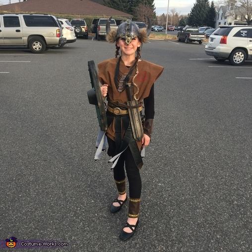 Big sis, The Grant Viking Family Costume