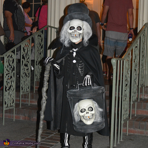 The Hatbox Ghost, The Hatbox Ghost Costume