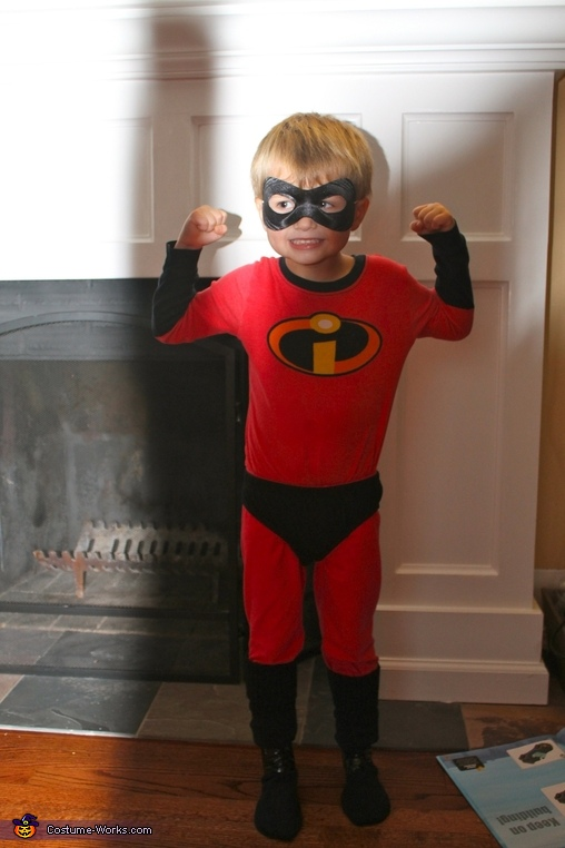 Dash, The Incredibles Family Costume