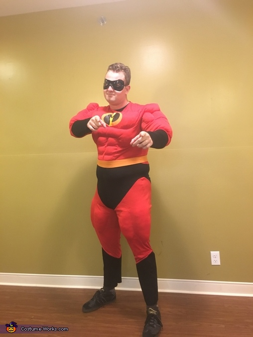 It's showtime, The Incredibles Return Costume