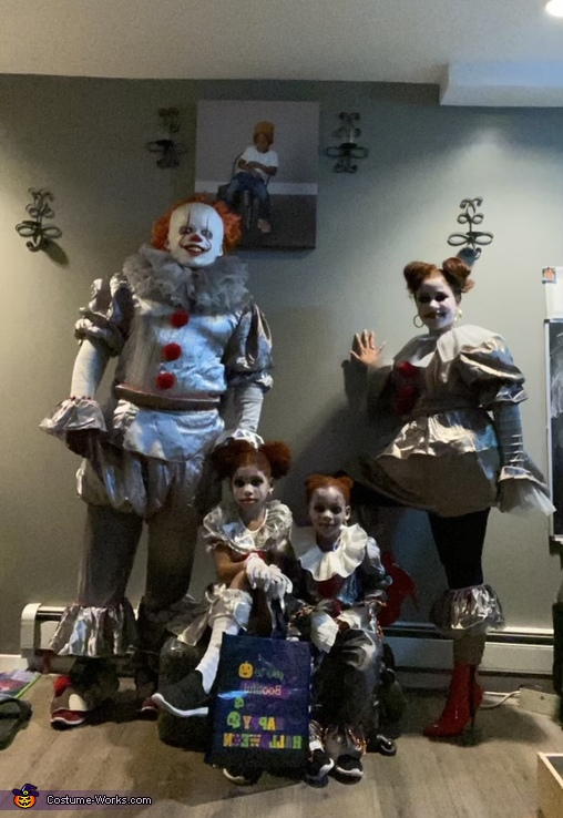 The IT Family, Papa wise, Mommy wise and the little Pennies Costume