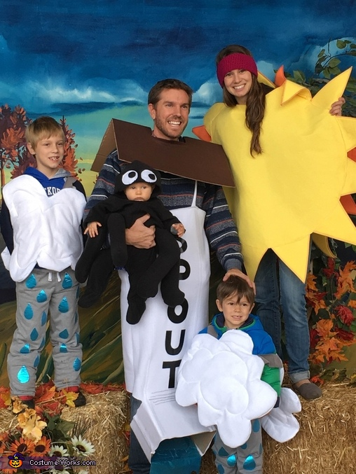 Richland Fall Carnival family pic, The Itsy Bitsy Spider Costume
