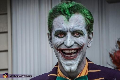 The Joker Smile, The Joker Costume