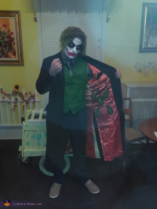 The bombs in jacket, The Joker Costume