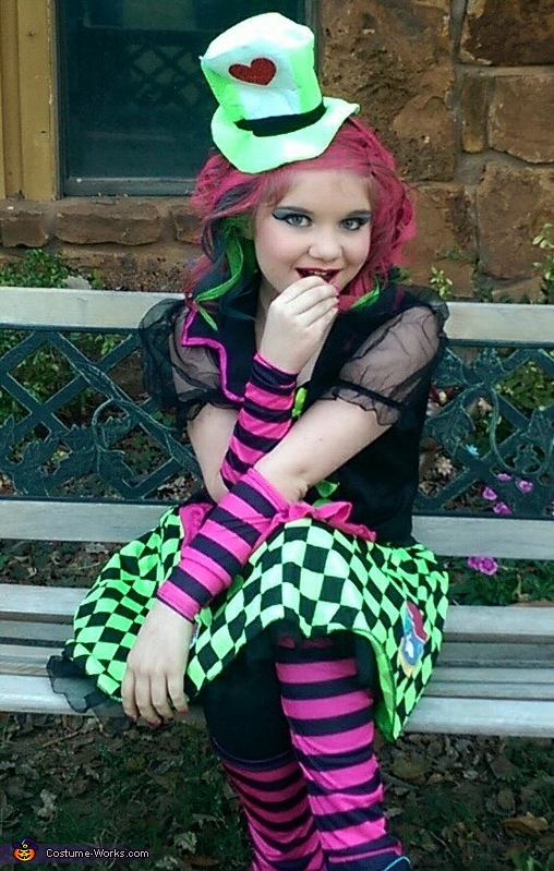 Super Cute Mad Hatter , The Lady Mad Hatter Costume