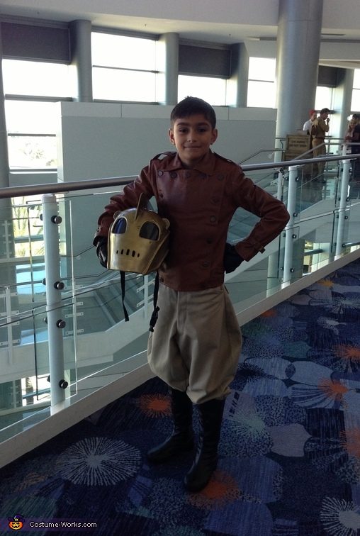 The Little Rocketeer Revealed!, The Little Rocketeer Costume