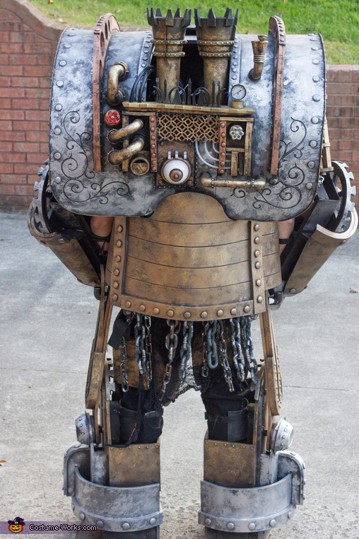 The backside of The Luggernaught, The Luggernaught Costume