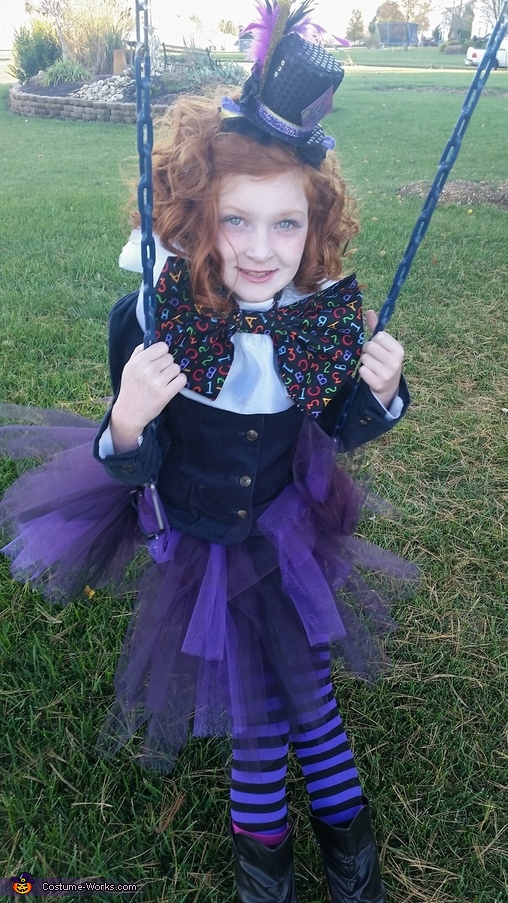 Swinging, The Mad Hatter Costume