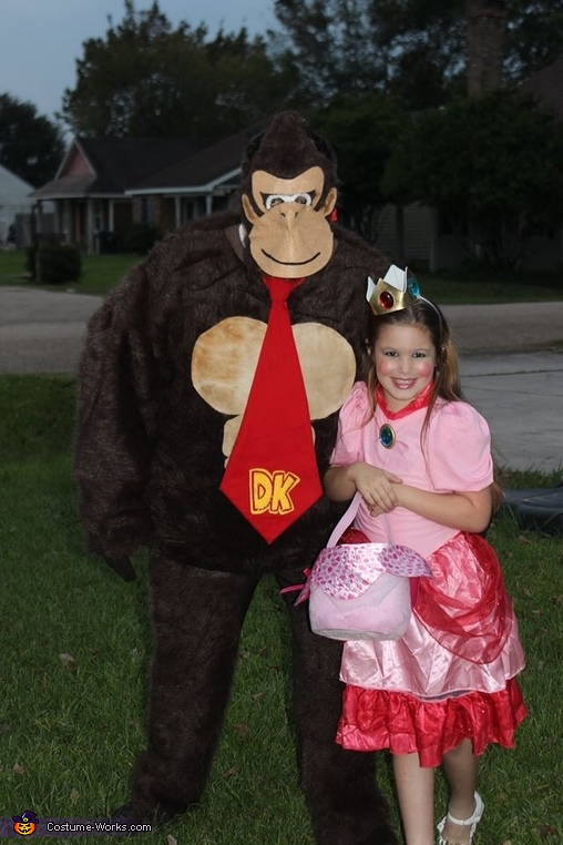Donkey Kong and Princess Peach, The Mario Kart Gang Costume