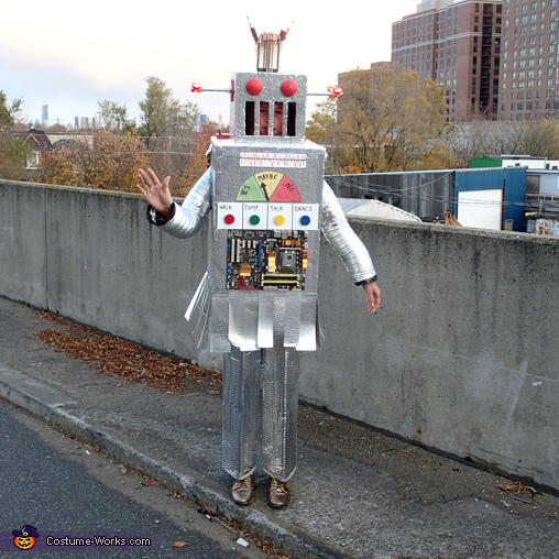I come in peace, The Mayan Robot Costume