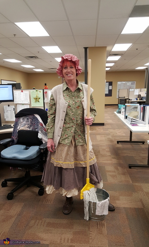 The Mop Lady, The Mop Lady Costume