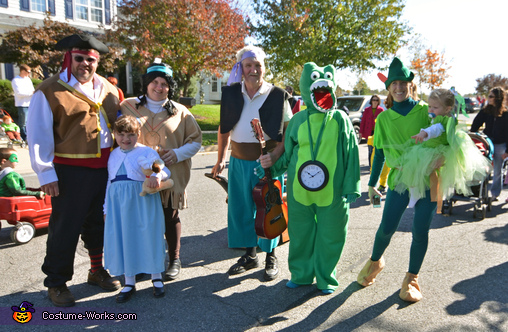 Parading in Neverland Style, The Neverland Gang Costume