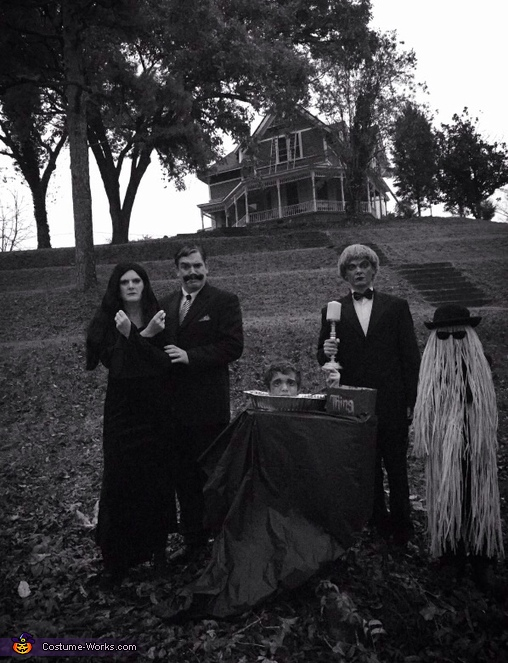 Family portrait- The Adams Family, The Original Adams Family Costume