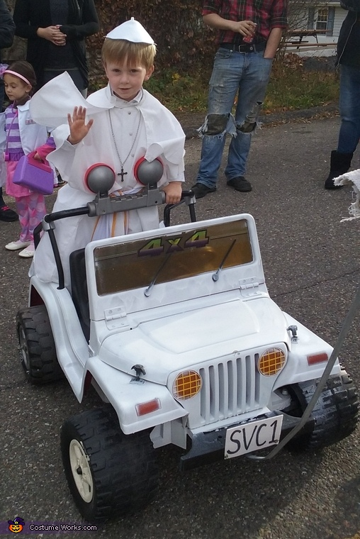 The Pope Mobile, The Pope Costume