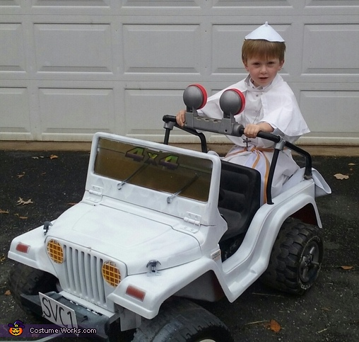 Pope Mobile, The Pope Costume