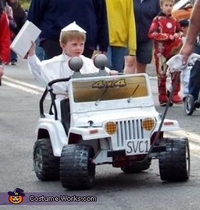 Waiving to the Crowd, The Pope Costume