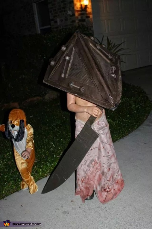 pic8, The Pyramid Head Kid Costume