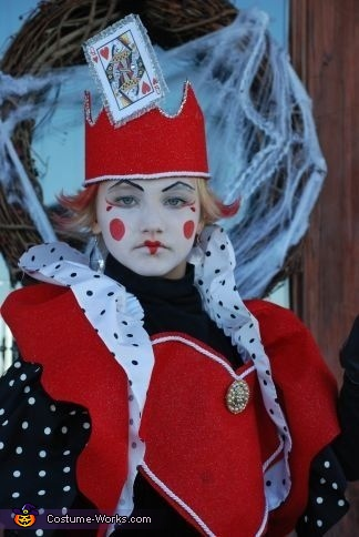 The Queen of Hearts. Alice in Wonderland Characters - Homemade costumes for kids