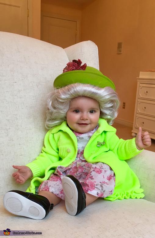 The Queen Costume