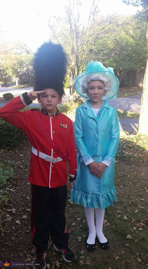 The Queen and Her Guard Costume