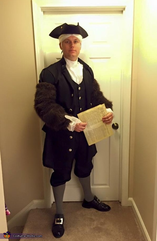 The Right to BEAR Arms Costume