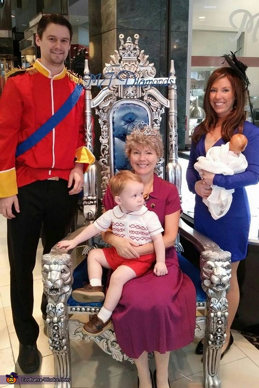 The Royal Family Costume