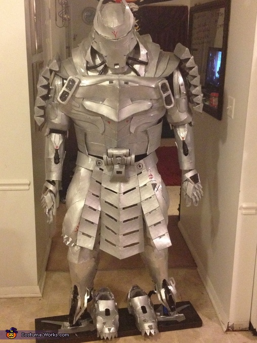 Front view on mannequin, The Silver Samurai Costume