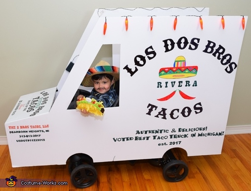 Come get your tacos!, The Taco Family Costume