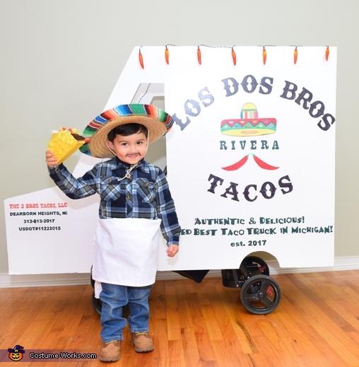 I got your tacos!, The Taco Family Costume