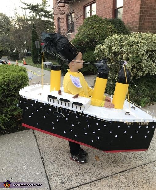 The Titanic Costume