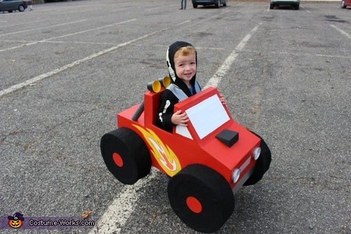 Monster truck, The Traffic Family Costume