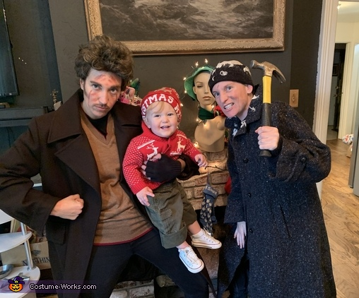 The Wet Bandits and Kevin Costume
