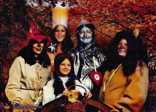 The Wizard of Oz Family Halloween Costume